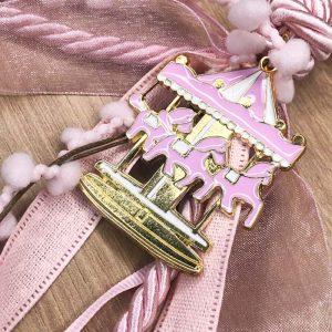 Χειροποίητο διακοσμητικό γούρι 'καλότυχο΄επιχρυσωμένο με σμάλτο χρώματος ροζ καρουζελ δωρο για κοριτσι βαφτιση γεννηση