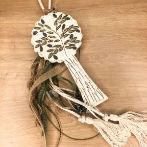 Διακοσμητικό γουράκι χειροποίητη κεραμική ροδιά στολισμένη με κορδόνι, και φούντες